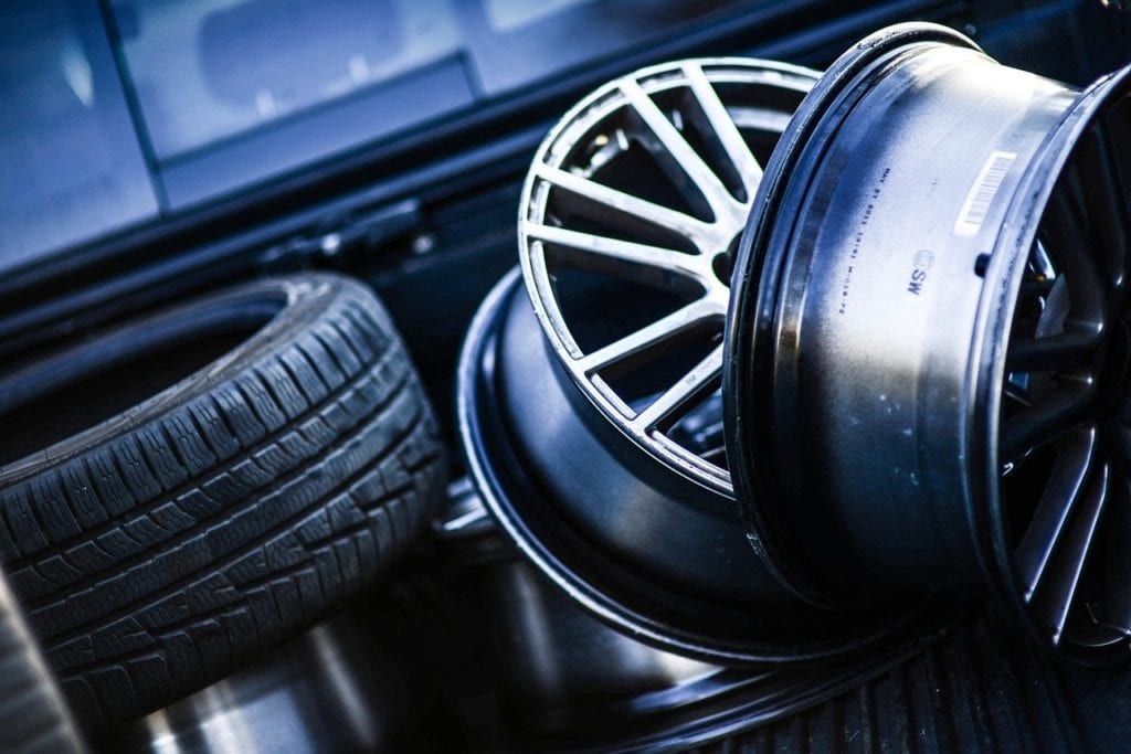 Is it safe to drive with a cracked rim